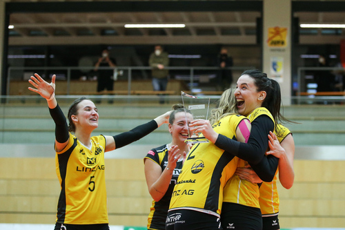 Steelvolleys holen Cup-Hattrick