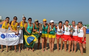 beach-lignano-team-w-askoe
